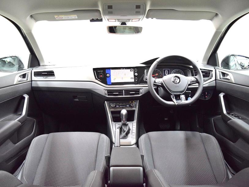 【登録済未使用車】New Polo TSI Comfortline 純正ナビ・ ETC ・バックカメラ装着車の画像4
