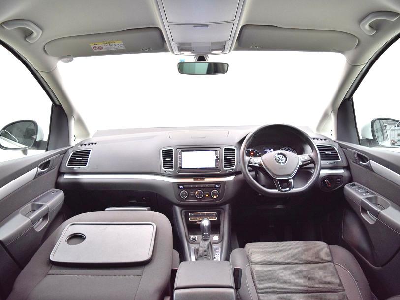 【元デモカー】Sharan TSI Comfortline 純正ナビ・ ETC ・バックカメラ装着車の画像4