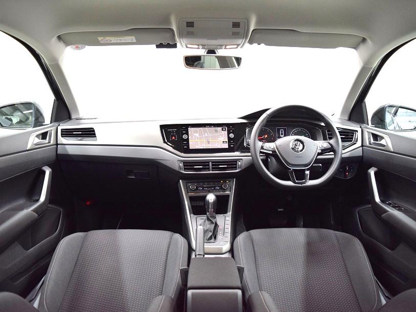 【元デモカー】New Polo TSI Comfortline 純正ナビ・ ETC ・バックカメラ装着車の画像4